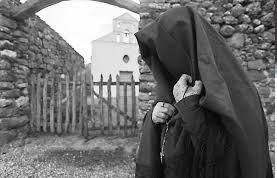 "Cando bennia est'ora, benit s'accabadora"" LOCATION Baunei - Golgo Autore: GILLONE Fabiana"